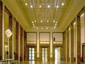 Dr. Kaija Voss, München, Haus der Kunst, Mittelhalle
